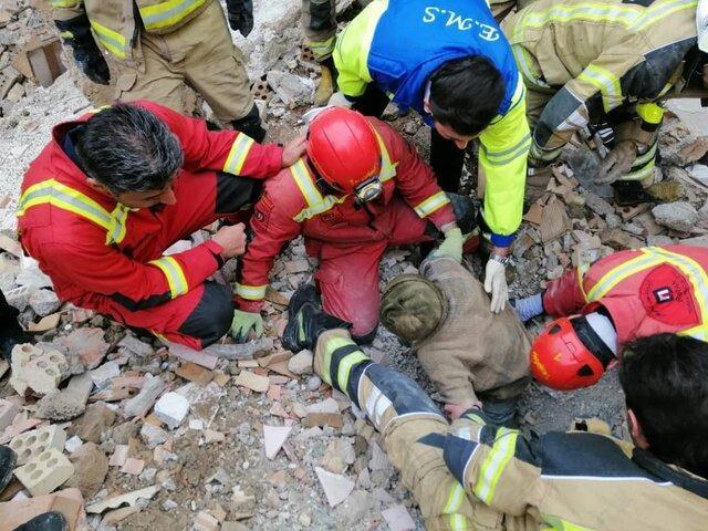 2 کارگر ملایری زیر آوار جان باختند