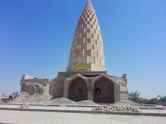 مرمتِ آرامگاه ناجی زبان فارسی به تخریب دیوار چندصدساله اش رسیده!