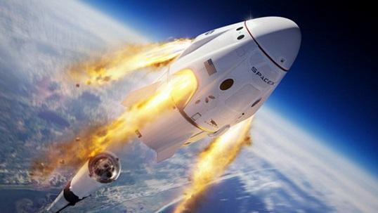 فضاپیمای سرنشین دار دراگون به فضا رفت